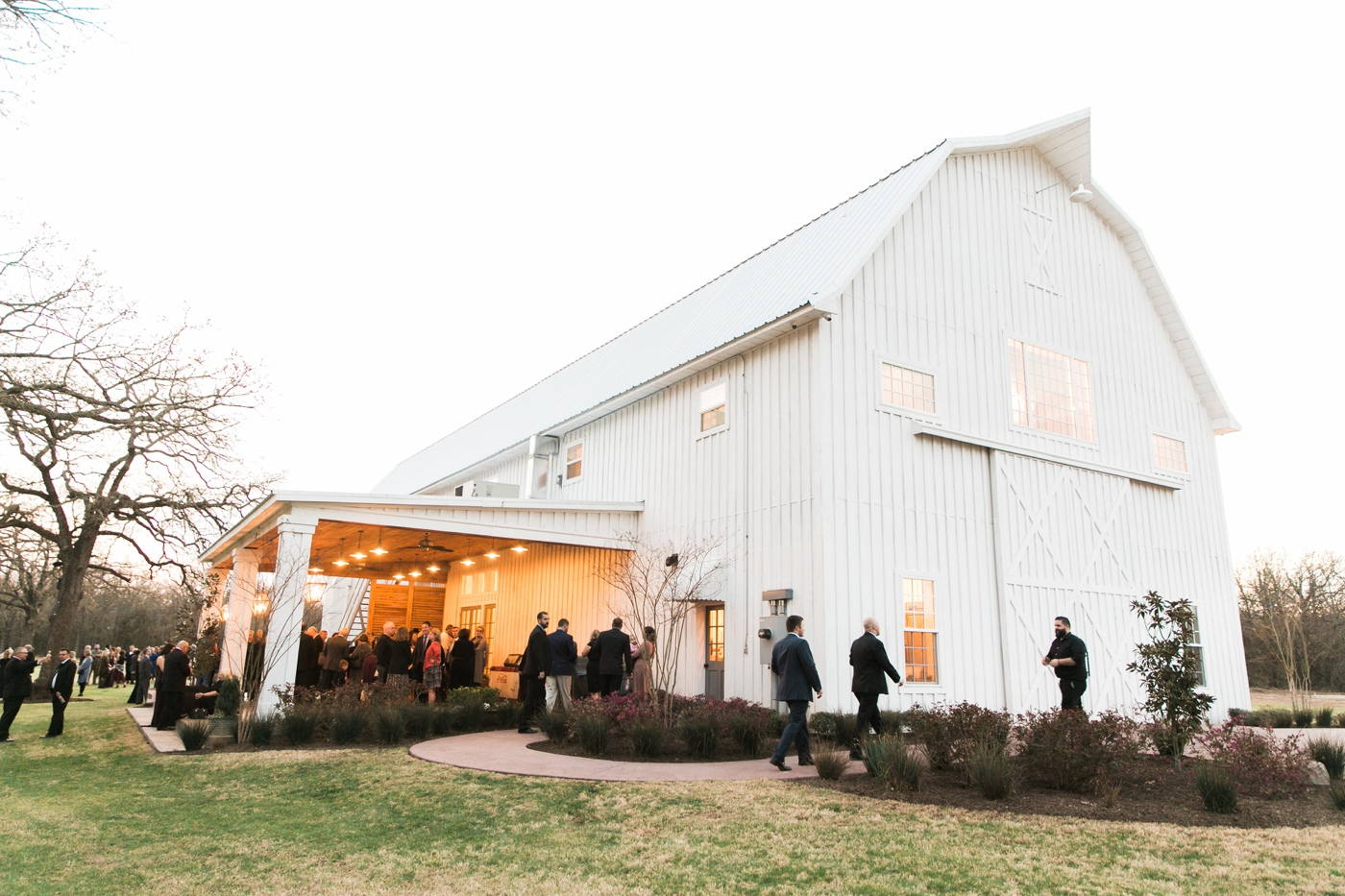 We Finally Had The Opportunity To Photograph A Wedding At Famed White Barn Venue Sparrow This Is One Of Most Breathtaking Venues